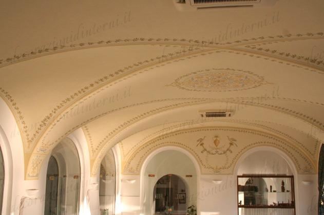 Decorazioni Per Soffitti A Volta : Decorazioni dinterni soffitti